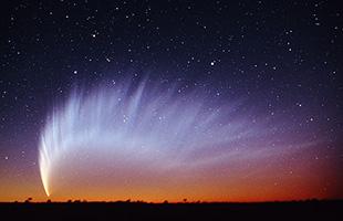 po_Mcnaught-Comet